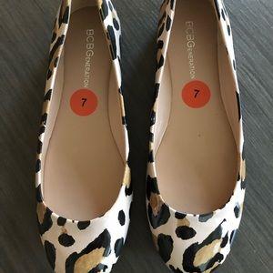 NWOT BCBG Leopard Flats 7